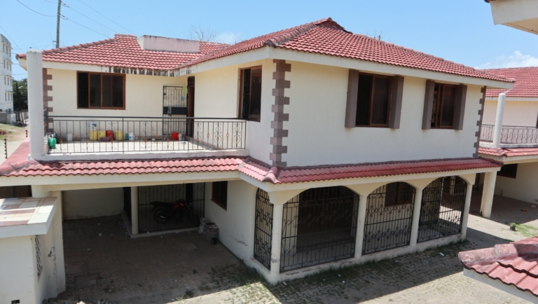 4br townhouse on sale Nyali Beach Road